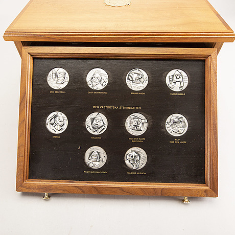 """Medal collection sterling, 60 parts """"sweden and its rulers for 1000 years"""", sporrong ab 1976-79. weight about 2932 g."""