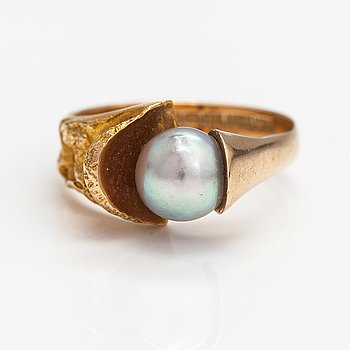 """Björn Weckström, A 14K gold and cultured pearl ring """"Birth of the pearl"""". Lapponia 1972."""