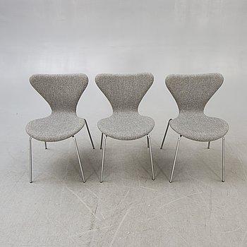 """Arne Jacobsen stolar 3 st """"Sjuan"""" för Fritz Hansen, Danmark 1900-talets senare del."""