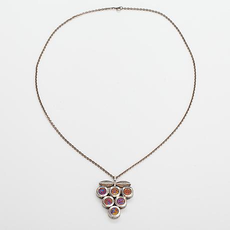 Nanny still, a sterling silver and titanium necklace. kultakeskus, hämeenlinna 1976.