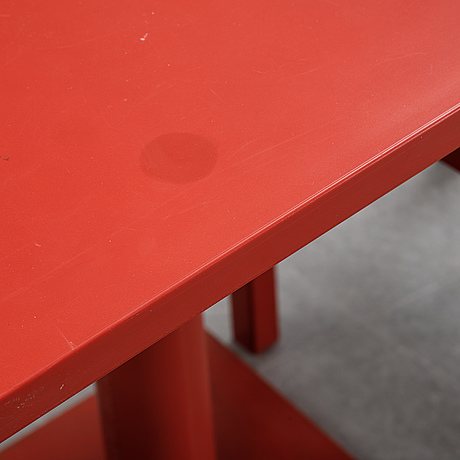 Boris berlin/poul christiansen, a 'non' table with two chairs by komplot design for källmo.