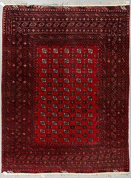 Carpet, Oriental, 345 x 250 cm.