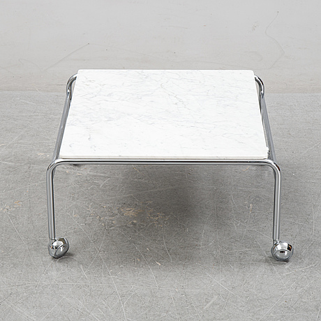 Bruno mathsson, a pair of easy chairs and a coffee table, 'karin', dux, second half of the 20th century.