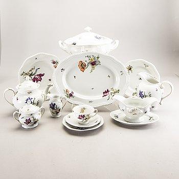 A 76 pcs Rosenthal porcelain service mid 1900s.