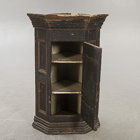 Corner hanging cabinet, 1700-1800s.