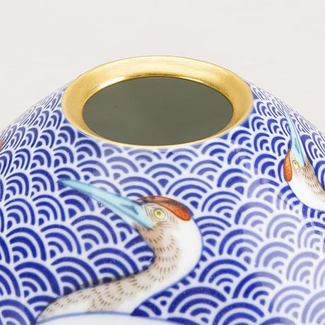 A japanese mid 1900s porcelain vase.