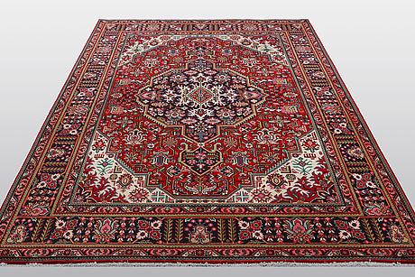 A carpet, tabriz, ca 297 x 200 cm.