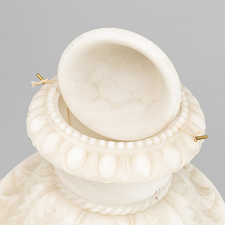 An alabaster urn/table lamp, 20th century.
