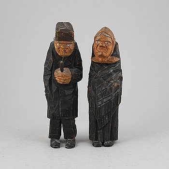 Unknown artist 20th Century, sculpture. A pair. Unsigned. Height 24.5 cm and 24 cm.