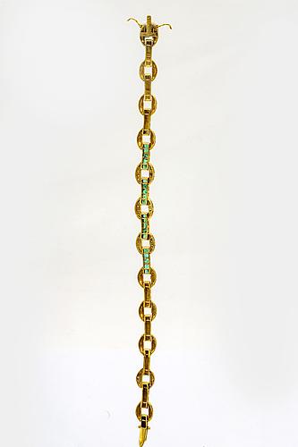 Armband, 14k guld med carréslipade smaragder och diamanter 8/8, ca 19 x 1 cm.
