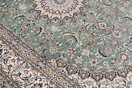 A carpet, nain, part silk, sk 9laa, 353 x 250 cm.