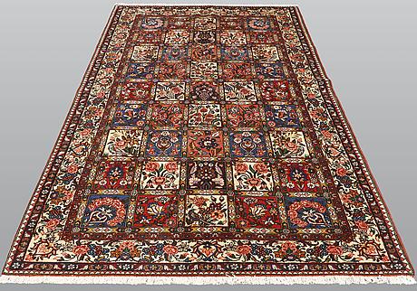 A carpet, figural bakhtiar, ca 265 x 150 cm.