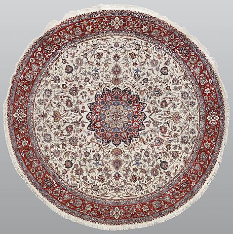Figural orientalisk rund,  diameter ca 267 cm.