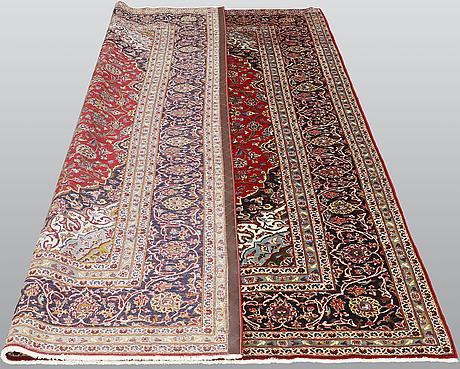 A carpet, kashan, ca 288 x 208 cm.