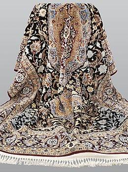 A carpet, Figural Esfahan, Part Silk ca 224 x 154 cm.