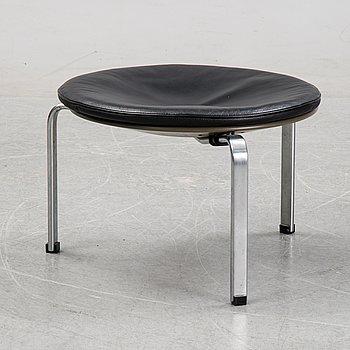 A PK-33 stool by Poul Kjaerholm for Fritz Hansen, designed 1959.