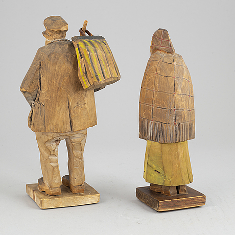 Emil janel, sculptures. a pair. signed. wood, height 26 cm and 24.5 cm.