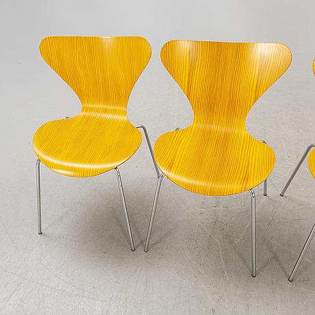 "Arne jacobsen, chairs 4 pcs, ""sjuan"", fritz hansen dated 1977."