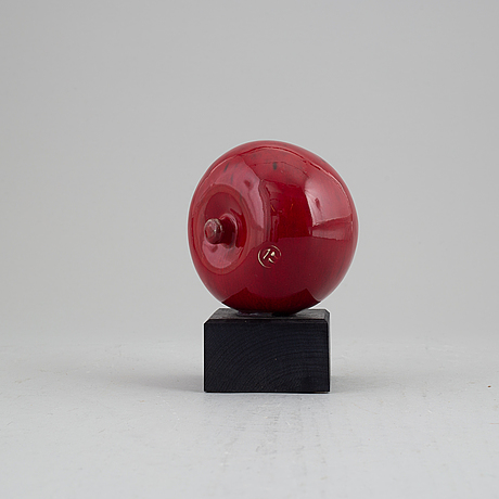 Alf ekberg, a stoneware sculpture of an apple, ateljé källna, klippan.