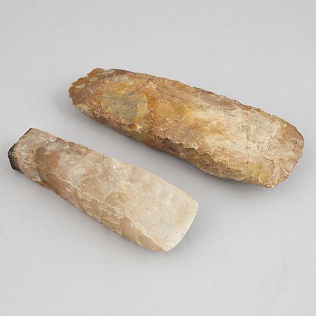 Yxor 2 st, neolitiska.