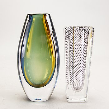Vicke Lindstrand, a st of two glass vases from Kosta.