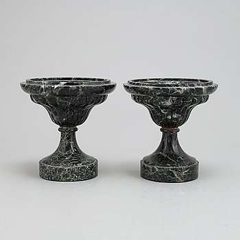 Two tazza, green marble, second half of the 19th century.