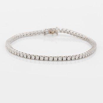 Tennisarmband med briljantslipade diamanter, med HRD certifikat.