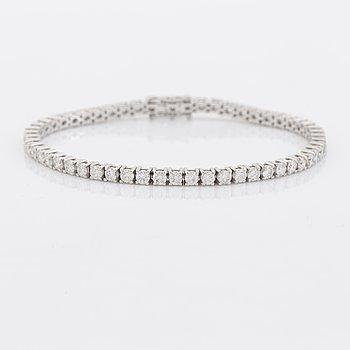 Brilliant cut diamond tennis bracelet, with HRD report.