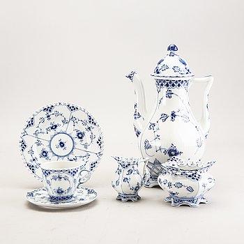 Tableware Muselmalet 27 pcs Royal Copenhagen  porcelain 20th century.