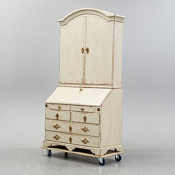A painted Rococo cabinet, 18th Century.