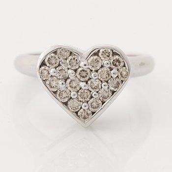 Brilliant cut diamond heart ring.