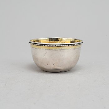 A Swedish eary 18th century parcel-gilt silver tumbler, mark of Petter Lund, Nyköping 1714.