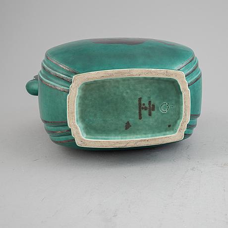 Wilhelm kåge, a stoneware 'argenta' lidded vase, model 935, gustavsberg.