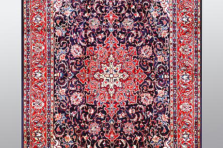 Matta, sarouk, ca 342 x 214 cm.