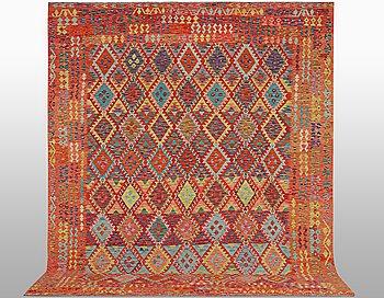 A carpet, Kilim, ca 401 x 310 cm.