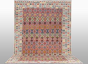 A carpet, Kilim, ca 490 x 302 cm.
