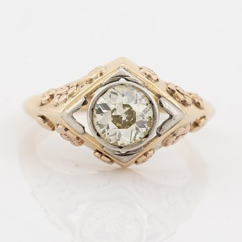 Ring with old cut diamond ca 1.00 ct.