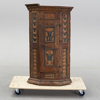 A painted Swedish corner cabinet from Dalarna, Rättvik, dated 1788.