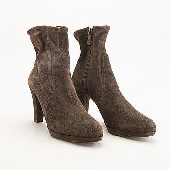 Prada, boots, size 37.