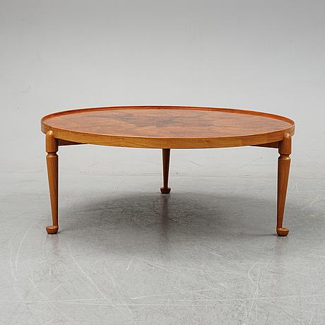 Josef frank, a model 2139 coffee table, firma svenskt tenn.