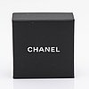 Chanel earrings, metal and costume pearls, approx 1,5 x 4 cm, original case and box.
