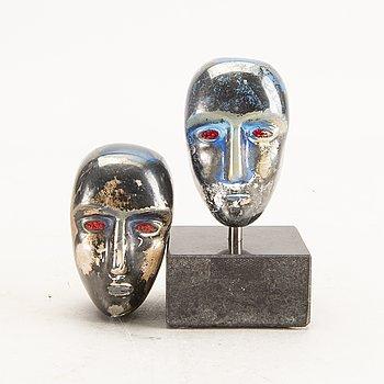 A set of two glass sculptures signed Bertil Vallien Kosta Boda.