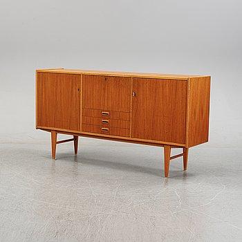 A teak veneered sideboard, 1950's/1960's.