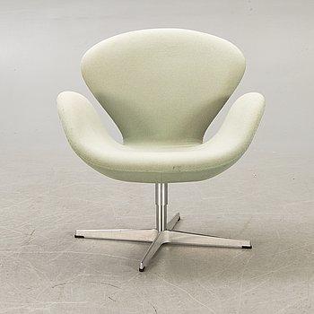 "Arne Jacobsen, armchair, ""Svanen"", Fritz Hansen, Denmark, 2007."
