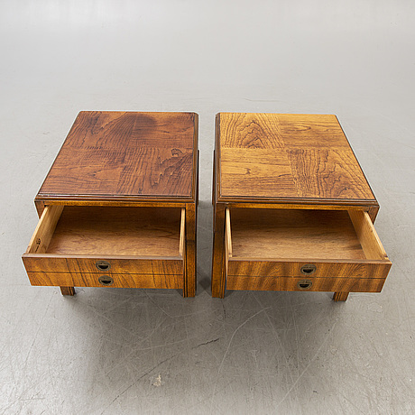 Side table a pair of drexel heritage furnishings inc, england 2nd half of the 20th century.