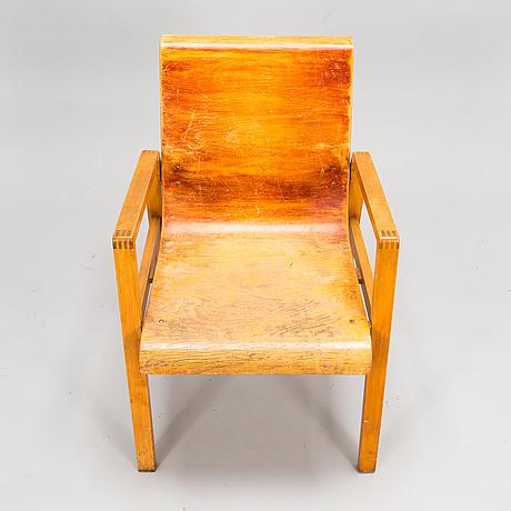 Alvar aalto, a mid-20th century '403' armchair for o.y. huonekalu-ja rakennustyötehdas a.b.