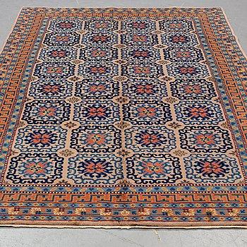 A carpet, old oriental, ca 255 x 163 cm.