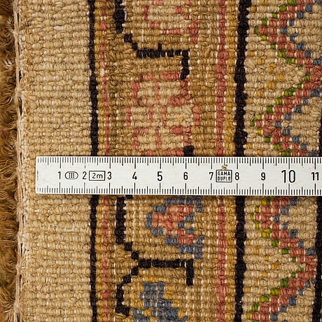 A carpet, semi-antique/old indisk, ca 368 x 265 cm.