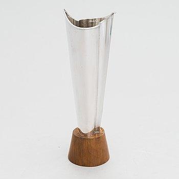 Tapio Wirkkala, A 'Liekki' (Flame) silver vase, Kultakeskus Hämeenlinna 1963.