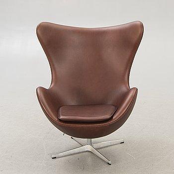 """Arne Jacobsen armchair """"The Egg"""" model 3316 for Fritz Hansen, Denmark late 20th century."""
